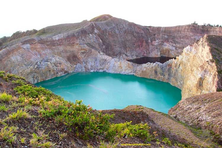 Kelimutu Crater Lake 2